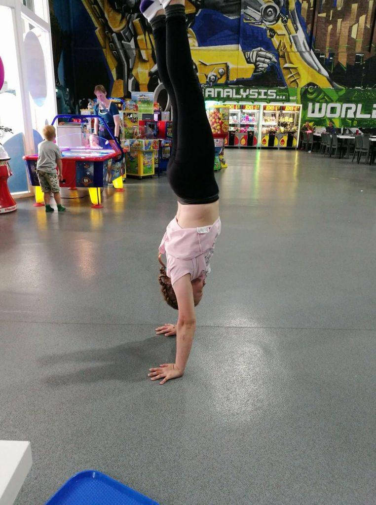 handstand10